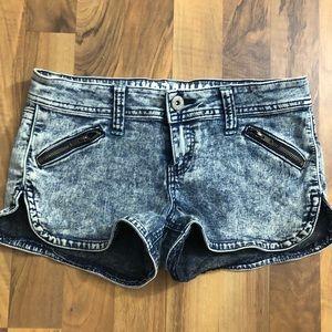 Acid Washed Size 7/8 Zipper Pocket Mini Shorts